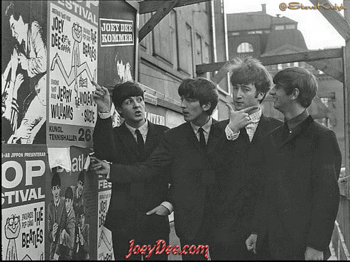 4 Paul Pointing Joey Poster